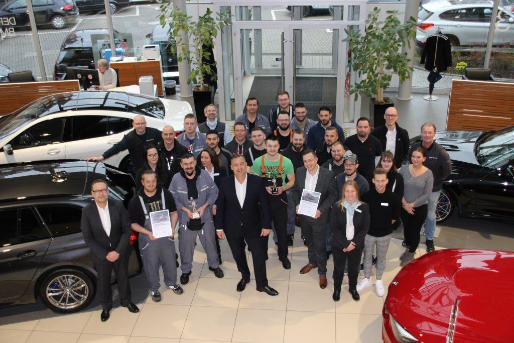 Das Serviceteam Eckenheim der EULER GROUP kann sich gemeinsam mit Cyril von Recum über den Service Excellence Award 2019 freuen.